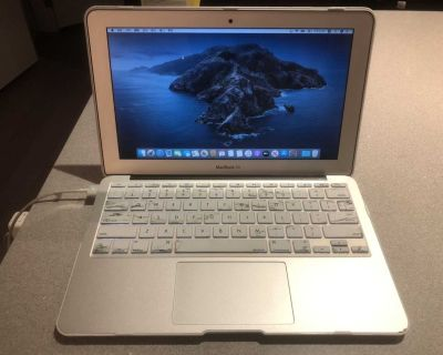 MacBook Air 11inch 2014early(good condition) for sale