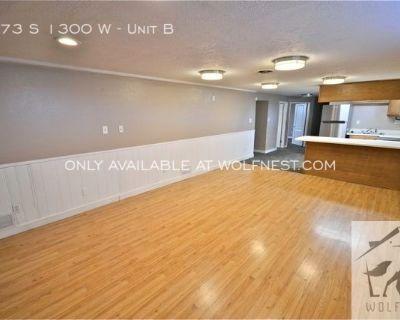No Security Deposit Option! Wonderful 4 Bedroom West Jordan Duplex