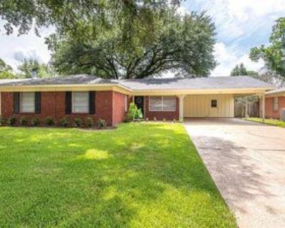 513 Meadowbrook Ln #1, Shreveport, LA 71105 3 Bedroom Apartment