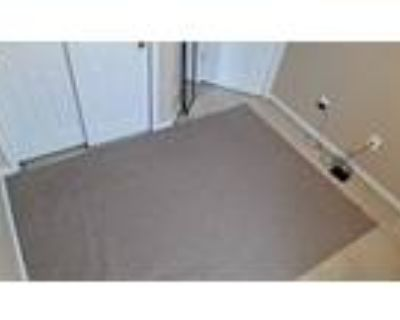 Roommate wanted to share 5+ Bedroom 3.5 Bathroom Townhouse...