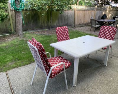 Free patio table and chairs
