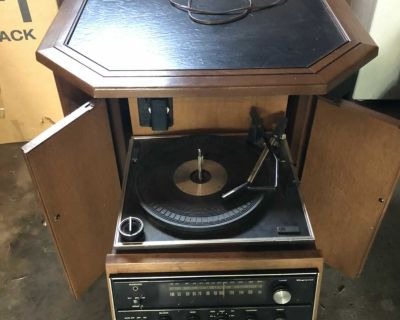 Magnavox end table with receiver and radio