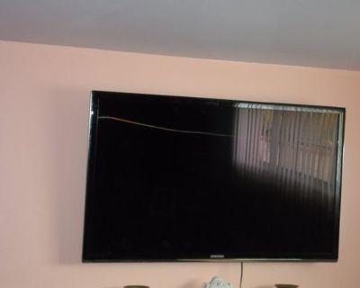 818 355-3882 HANDYMAN TV MOUNT FAUCET DOOR