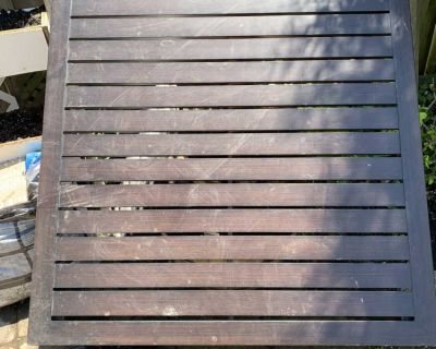 Outdoor Patio Table (Square)