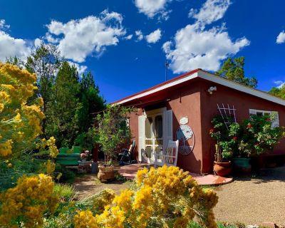 Artista Del Sol Small House (Special Monthly Rates) at Sunny Mellow Eco Villa - Tijeras
