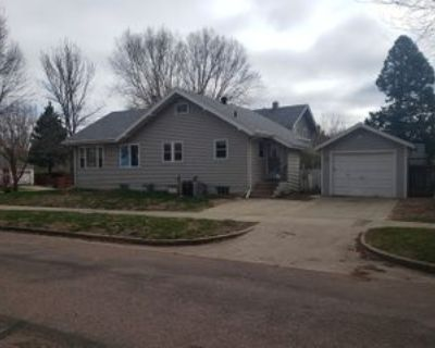 1013 W 21st St, Sioux Falls, SD 57105 2 Bedroom House