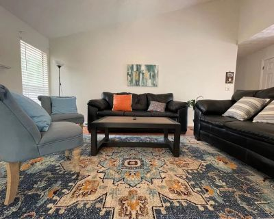 ENTIRE HOME! Cozy! Quiet! 5B Single Family House! - Norcross
