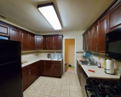 6001 Arlington Blvd #123, Seven Corners, VA 22044 1 Bedroom Apartment