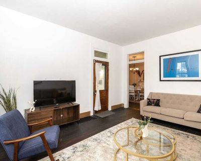 Lovely & Spacious 2 story Indy Home in Indianapolis - Downtown Indianapolis