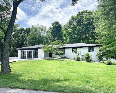Carmel Lodge-Sleeps 25, By Grandpark, Indy<10mi - Hamilton County