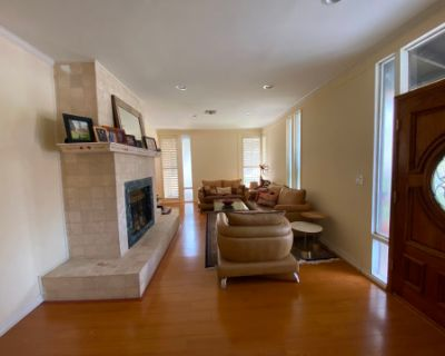 Mid-Century House with Natural Light, Sunland, CA