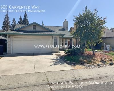 Super Clean Three Bedroom Home in Roseville
