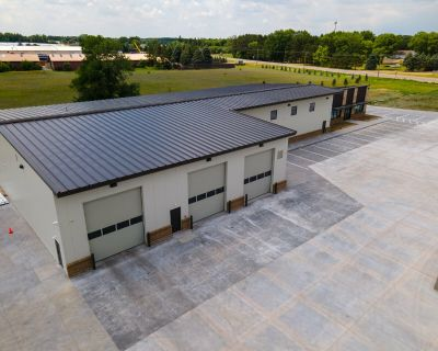 Industrial Office/Warehouse Building for Sale