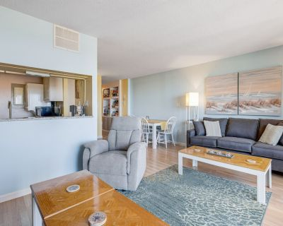 Sea Colony Ocean Condo w/Shared Pools/Hot Tubs/Sauna/Tennis/Gym + WiFi, AC, W/D - Bethany Beach