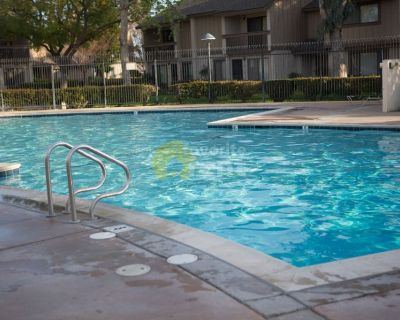Townhouse 2 bedroom , Pool & Spa in Hermosa Village, Anaheim