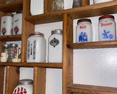 Wonderful Antiques, collectibles and more! Northcentral area