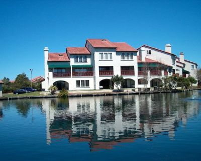 Low Rates - Walk to Beach - Ground Floor - Boat Dock - Gulf Lagoon Beach