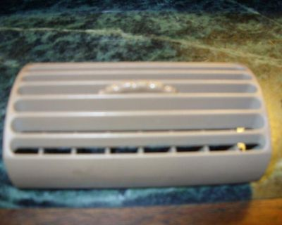 1994-2004 Mustang A/c Vents (saddle)