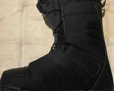Snowboard boots 10.5
