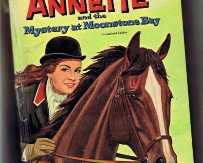 Disney's Mouseketeer Annette Funicello Vtg Book 1962 - Mystery at Moonstone Bay