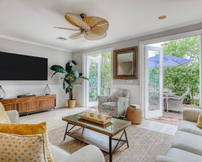 Old Town Luxury Retreat w/Shared Pool, Private Patio, WiFi - Walkable Location - Old Town Key West