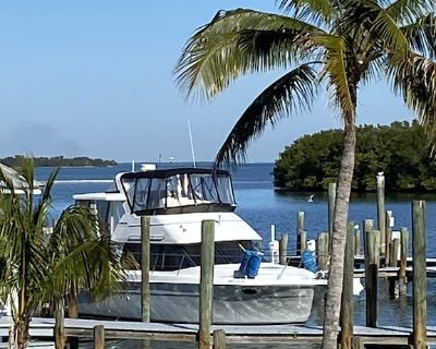 Stay right on the water / Yacht Living - Stock Island