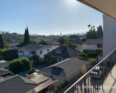 Fully Remodeled Two Bedroom Two Bathroom, Call Now!! Great Location!