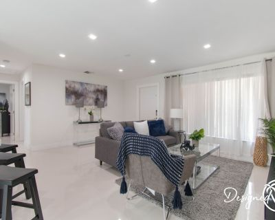 Dania Beach Beauty 3BR With Hot Tub - Fort Lauderdale