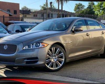 2011 Jaguar XJ Standard