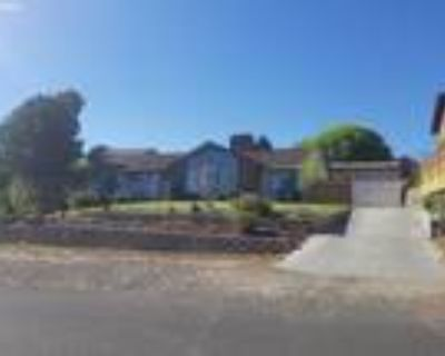 Hermiston Real Estate Home for Sale. $389,000 5bd/3ba. - Debora Wood of