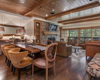 Vail Village, Unobstructed Mountain Views, Hot Tub, Outdoor Pool, Garage Parking - Vail