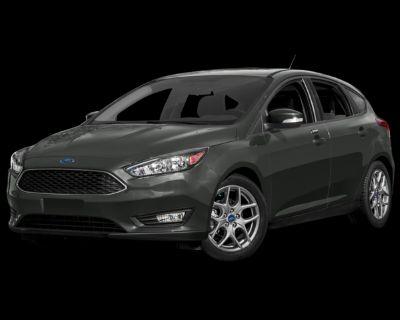 Pre-Owned 2015 Ford Focus SE FWD 4D Hatchback