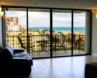 Ocean View, Beachfront, Perfect For Snowbirds and/or Remote Work - Hollywood South Central Beach