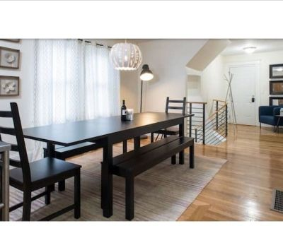 Large Retreat 5BR w/3BA Close to Everrything - Mission Hill