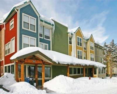 Steps away from PCMR and shuttle bus to town just $1850 wk - Downtown Park City