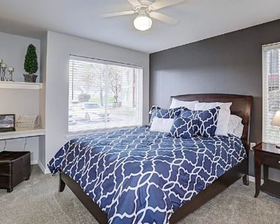 Private room with own bathroom - Kennewick , WA 99336