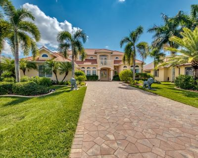5 bedroom/4 bathroom Canal Front Home in SW Cape Coral With Gulf Access, Pool/Spa - Pelican