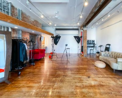 All Inclusive Greenpoint Photo Studio with Profoto Lighting, Brooklyn, NY