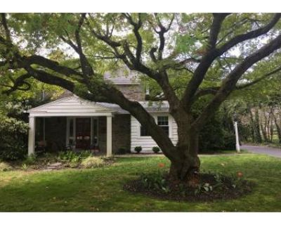 3 Bed 2 Bath Preforeclosure Property in Wallingford, PA 19086 - Blackthorn Rd