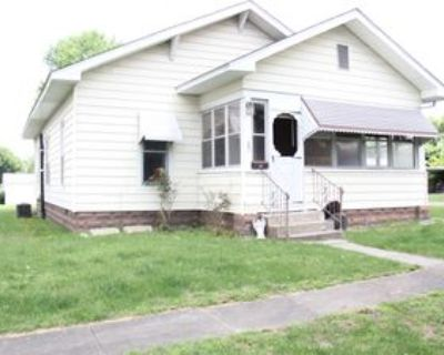 920 S 12th St, Herrin, IL 62948 3 Bedroom House