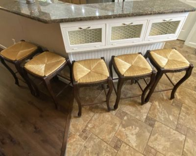 24 barstools wood and wicker set of 5