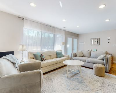 Sea Colony Tennis Townhouse w/ Free Wifi, Private gas Grill, Shared Sauna! - Bethany Beach