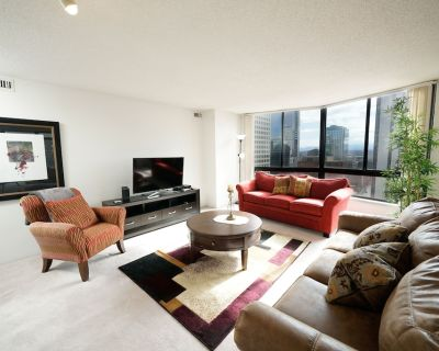 Amazing Views - 3 Bedroom Condo - Downtown Denver - LoDo
