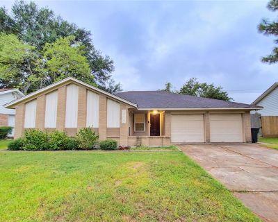 2707 Lazy Spring Drive, Houston, TX 77080