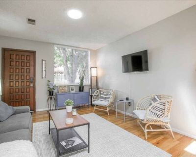 Townhome in heart of Cherry Creek North - Cherry Creek