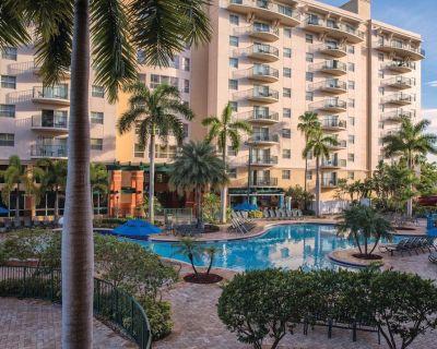 Wyndham Palm-Aire - Truly Luxurious Pompano Beach Getaway - Pompano Beach