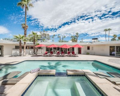 Iconic Mid-Century: Wind-Free 4BD/3BA, Pool, Spa, Views And Dog Friendly! - Tahquitz River Estates
