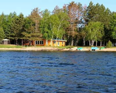 4 Season Cabin Located 25 Feet From The Shore Of Big Sturgeon. - Side Lake