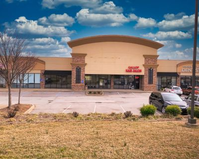 Promenade Plaza: Retail Opportunity for Lease on Old Henry Road