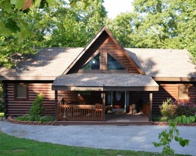 Luxury Log Cabin GameTable 2 living areas over 2400 sq ft Lone Star - Branson Cedars